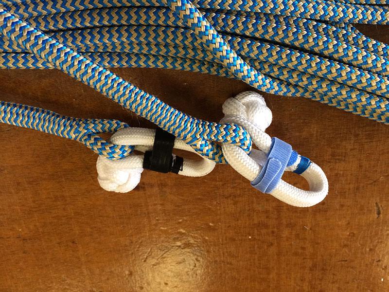 Epissure gainée et mousqueton textile